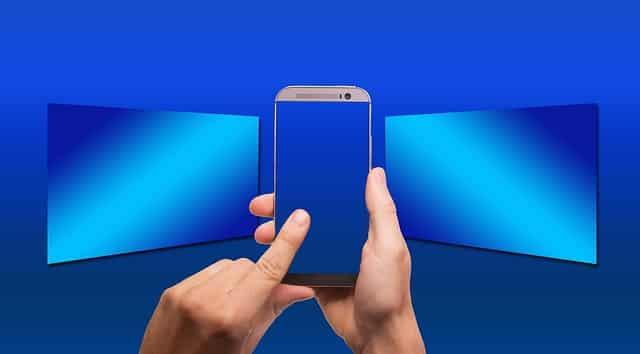 マネータップのイメージとしてスマートフォン