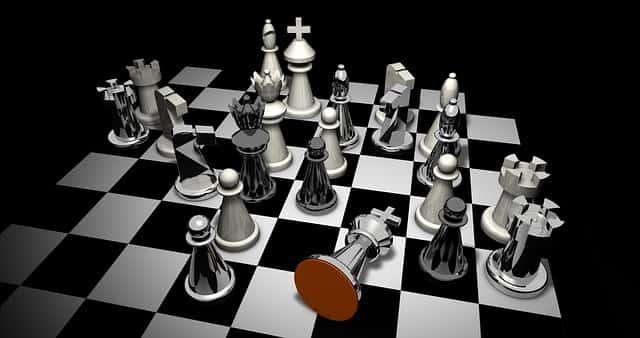 チェスの駒がたくさん
