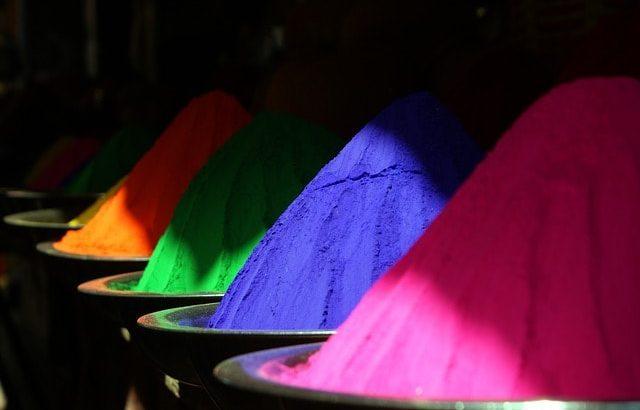 インドの色粉