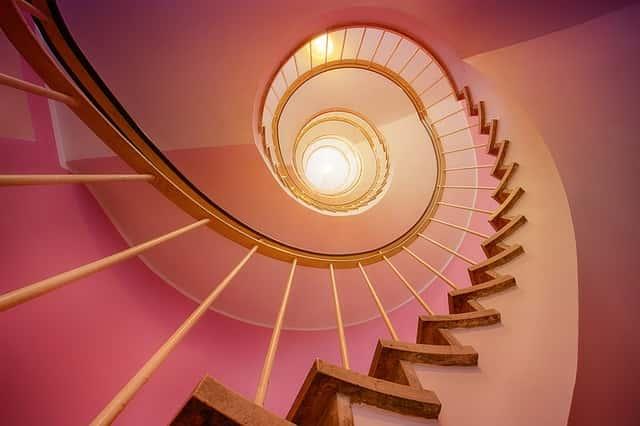 上場イメージで螺旋階段